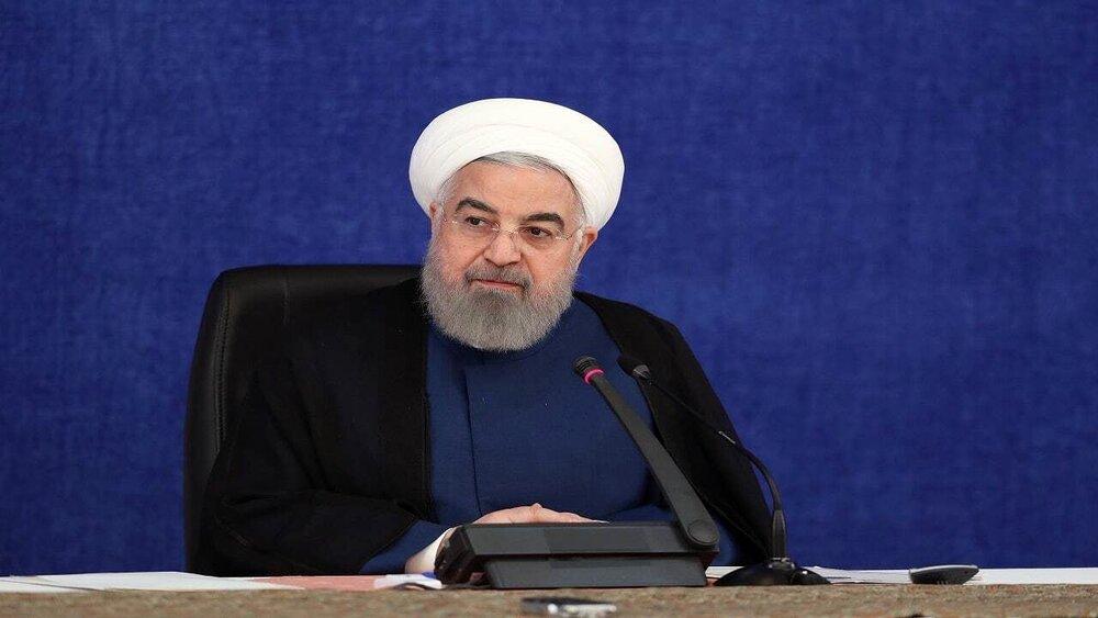 روحانی: قیمت فعلی ارز کاهشی خواهد بود