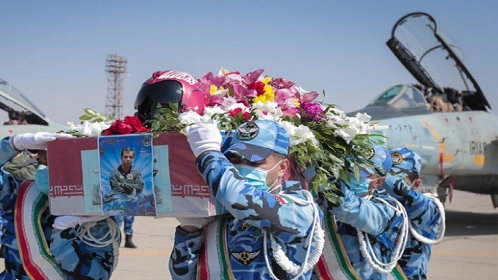 تشییع پیکر شهید خلبان تازه تفحص شده