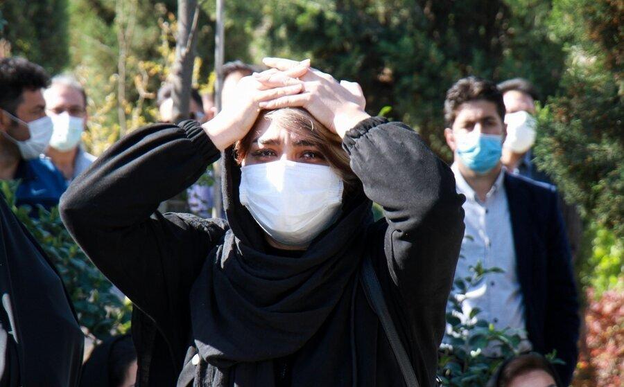 مراسم تدفین پیکر مرحوم آزاده نامداری /گزارش تصویری
