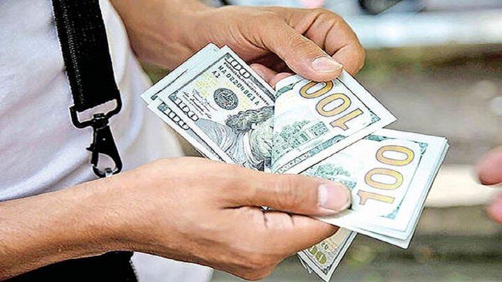 دلار ۲۳ هزار و ۹۹۴ تومان است