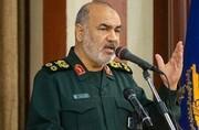 ارتش و سپاه اجازه نمیدهند امنیت کمنظیر میهن اسلامی متزلزل شود