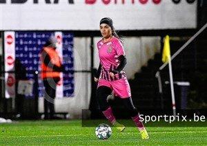 اتفاق عجیب برای فوتبالیست زن ایرانی در بلژیک