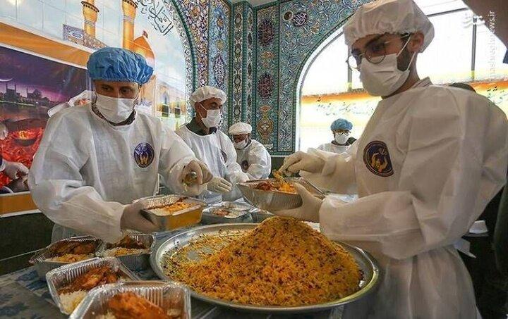 توزیع روزانه ۱۰۰۰ پرس غذا در قالب طرح اطعام مهدوی