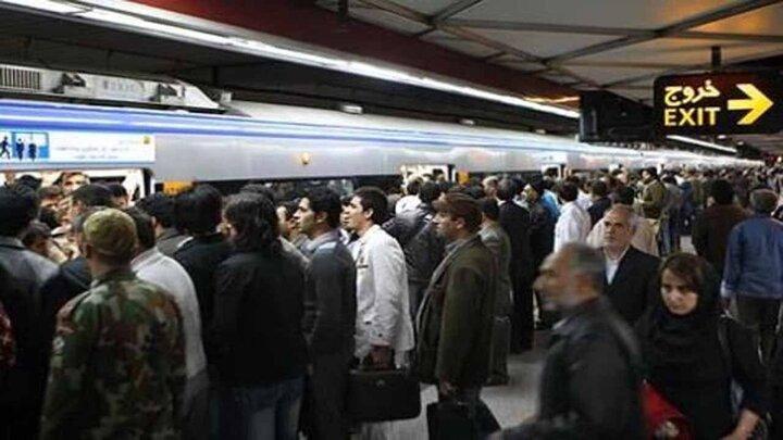 جولان ویروس کرونا در مترو + تصاویر