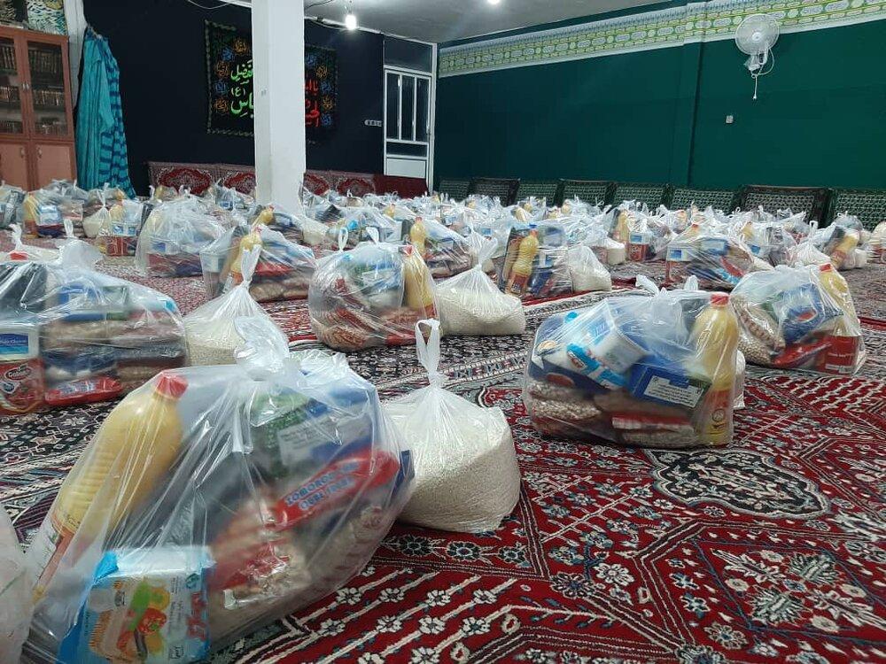توزیع بستههای معیشتی بین نیازمندان فیروزکوه