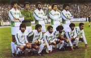 اقامه نماز ستاره های تیم ایران در سنگاپور