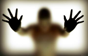 پشیمانی مرد از خیانت و جدایی از همسرش