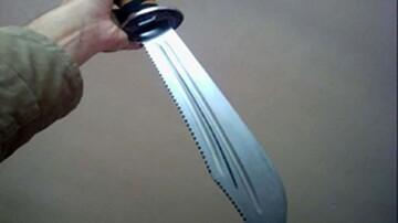مرد دیوانه با شمشیر سامورایی به خانواده اش حمله کرد + عکس