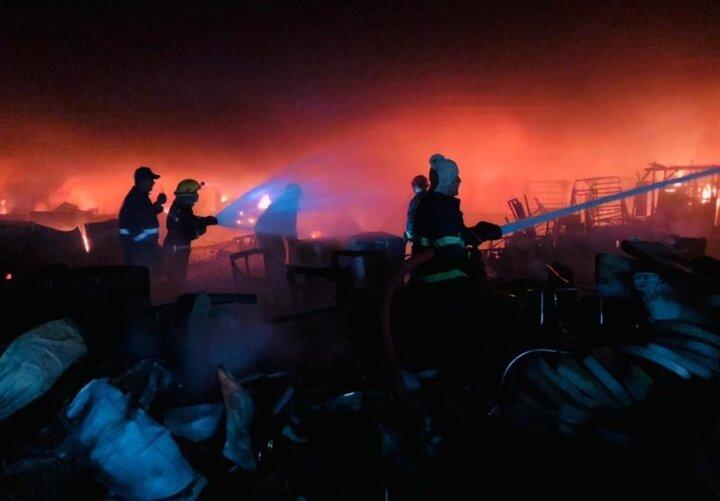 وقوع آتش سوزی بزرگی در بازاری دربغداد