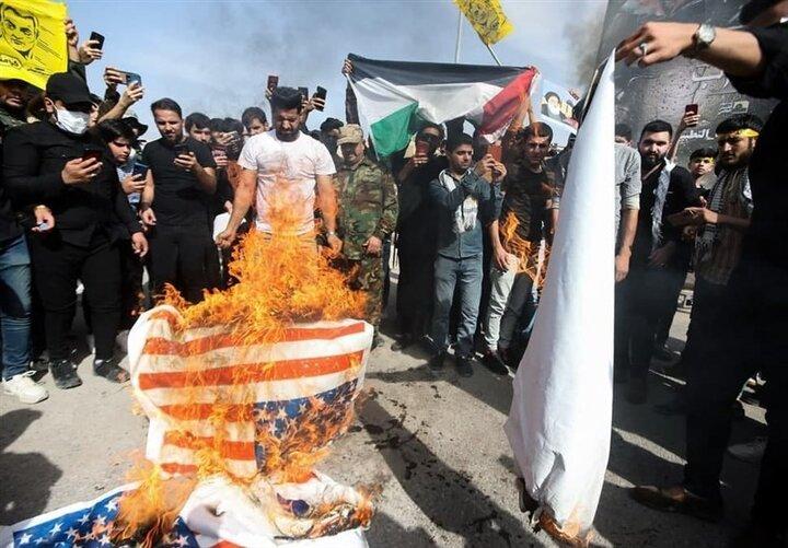 پرچم رژیم صهیونیستی درعراق به آتش کشیده شد