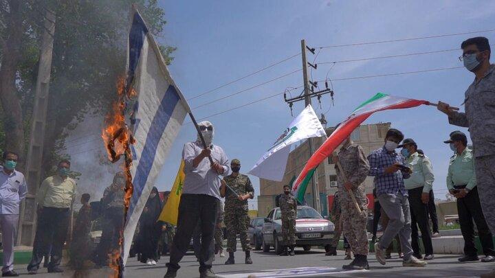 رژه خودرویی و موتوری در پیشوا در روز قدس/ مردم پیشوا پرچم اسرائیل را آتش زدند