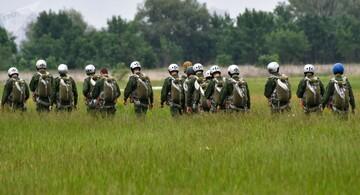 رزمایش چتربازهای نظامی آمریکا در نزدیکی مرزهای روسیه