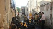 آتش سوزی فجیع در انبار لوازم یدکی خودرو / نجات 3 کارگر محبوس + تصاویر