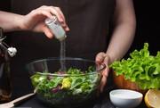 چرا غذا های تند و شور برای روز های گرم مناسب نیست؟