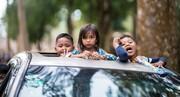 خطرات و میزان جریمه خروج کودکان از سانروف خودرو  + فیلم