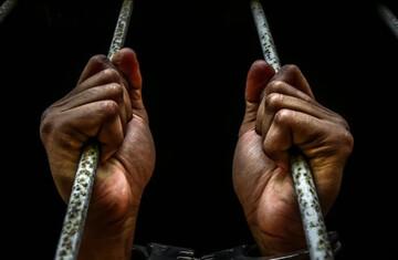 1 سال و نیم حبس زن در خانه به مجازات پسردار نشدن !!