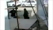 مصدومیت 2 نفر بر اثر سقوط داربست ستاد تبلیغاتی / در آبادان اتفاق افتاد + فیلم