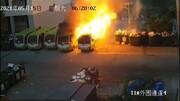 اتوبوس برقی منفجر شد ! / فیلم