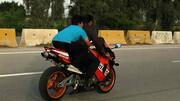 سرقت با موتور سیکلت کلانتری / نام دستنویس کلانتری بر روی باک راز سارق را فاش کرد
