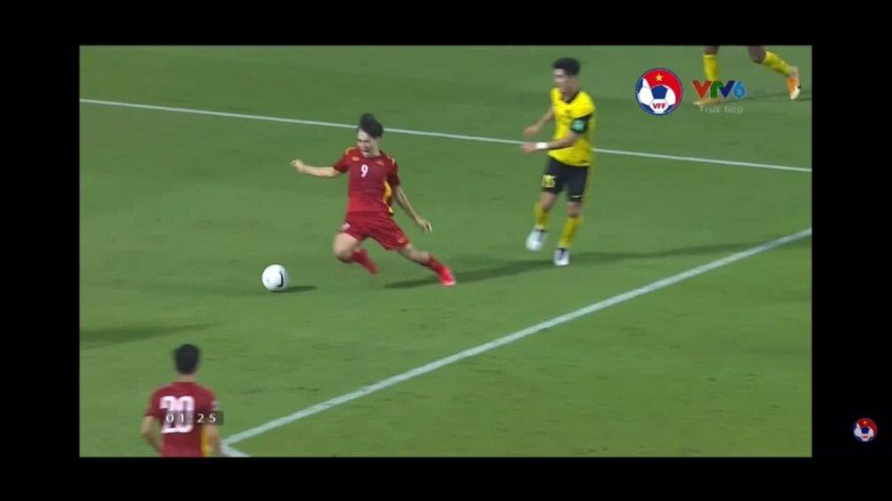 جنجالی ترین پنالتی تاریخ فوتبال ! +عکس