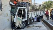 کامیونت مهمان ناخوانده مشاور املاک  + عکس