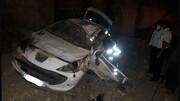 واژگونی مرگبار جان راننده پژو را گرفت / پژو له شد