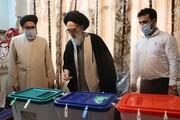 پرسابقه ترین امام جمعه کشور رأی خود را در ورامین به صندوق انداخت