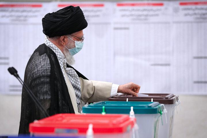 نماهنگ رای دادن رهبر انقلاب