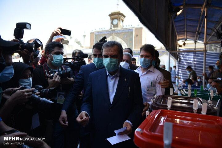 محسن رضایی رای خود را به صندوق انداخت /گزارش تصویری