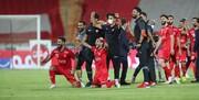 اهدای جام قهرمانی به پرسپولیسیها توسط وزیر ورزش