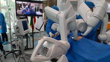 انجام اولین جراحی رباتیک از راه دور در ایران