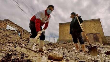 امدادرسانی هلالاحمر به ۱۵۰۰ سیل زده در ۱۵ استان