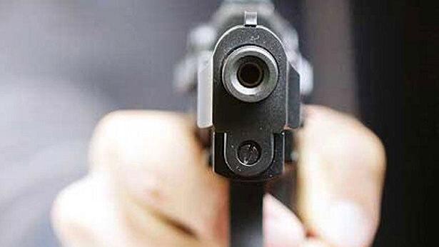 حکم تخلیه خانه از پسر عصبانی قاتل ساخت !/ مادرش را به گلوله بست!