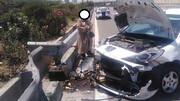 برخورد شدید 206 با گاردریل خودرو را متلاشی کرد !/ در بزرگراه یاسینی اتفاق افتاد !