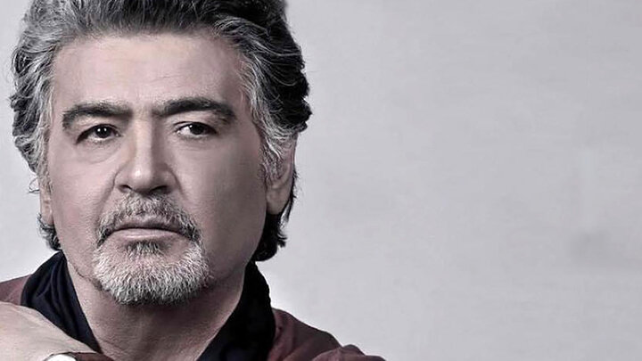 تیپ جذاب «رضا رویگری» در آغوش همسر جوانش/ عکس