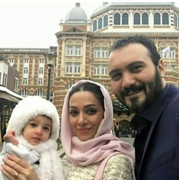 کامبیز دیرباز و خانواده اش