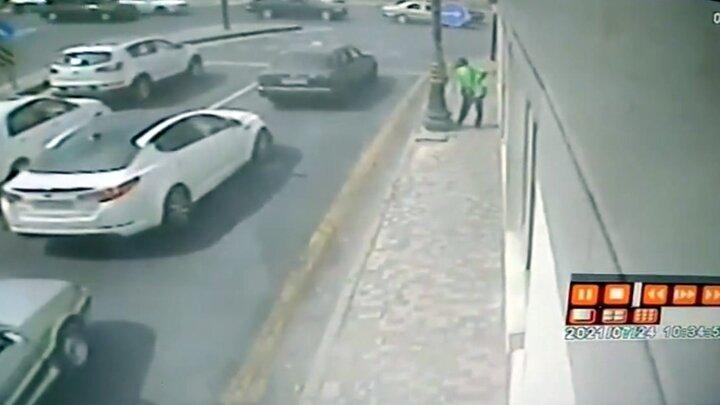 تصادف هولناک تریلی با دو خودرو / فیلم