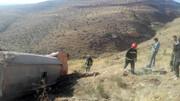سقوط مرگبار کامیون به داخل دره ! / راننده جان باخت!