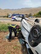 واژگونی هولناک خودروی سمند / با تیربرق برخورد کرد !