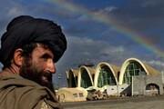 فرودگاه قندهار باردیگر مورد هدف طالبان قرار گرفت