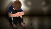 والدین سنگدل کودک ۵ ساله را در قفس گربه شکنجه میکردند/ کودک جان باخت !