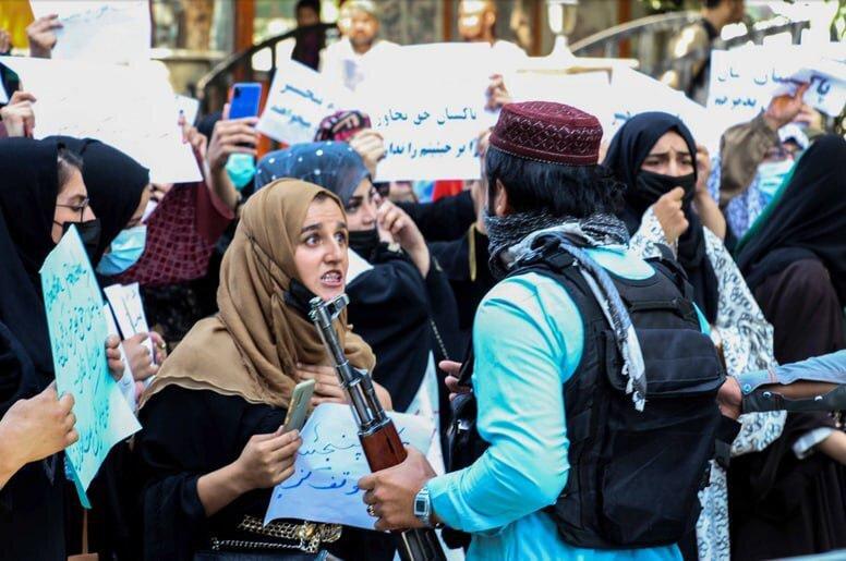 تصاویر اعتراض زنان افغان به طالبان
