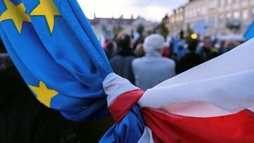 آیا لهستان از خط قرمز اتحادیه اروپا عبور کرده است؟