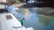 نجات معجزهآسای یک کودک در پارس آباد + فیلم