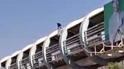 خودکشی دختر خرمشهری از پل هوایی ! + فیلم وحشتناک