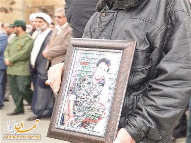 تشییع پیکر شهید مدافع حرم در بهارستان + تصاویر