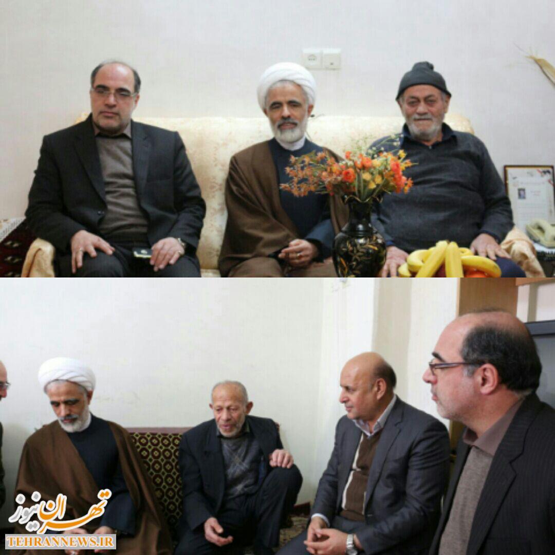 دیدار حمیدرضا مشهدی عباسی و حجت الاسلام مجید انصاری از خانواده شهدا در فیروزکوه