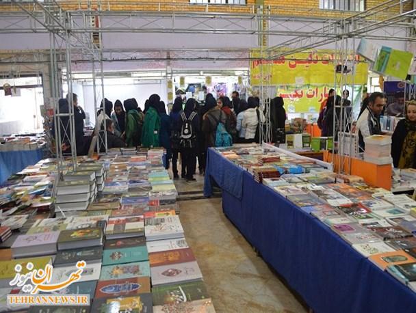 همه اقشار می توانند از نمایشگاه کتاب اسلامشهر بهره ببرند/انتظار داریم بیشتر به جانبازان موجی پرداخته شود