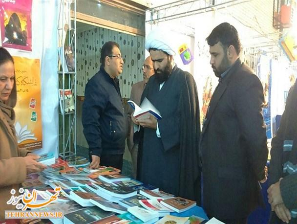 فضای نمایشگاه کتاب اسلامشهر محدود است/ ناهماهنگی های بسیاری برای تشکیل این نمایشگاه وجود داشت