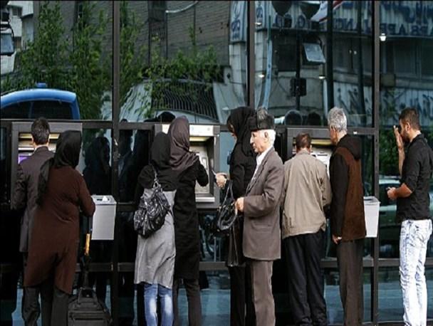 کمبود عابر بانک در شلوغی بهارستان